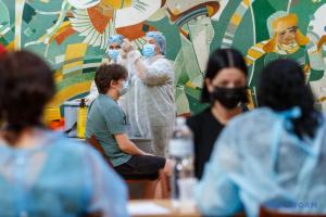 В Україні за добу зробили понад 126 тисяч щеплень від коронавірусу