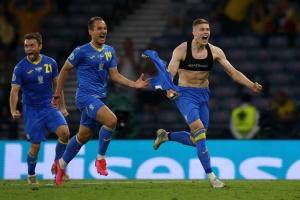 Reprezentacja Ukrainy w piłce nożnej pokonała Szwecję i po raz pierwszy dotarła do ćwierćfinału mistrzostw Europy