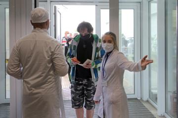 6月18日時点 ウクライナ国内新型コロナ新規確認数 967件