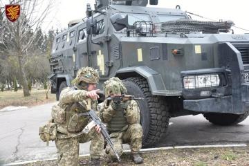 Okupanci wczoraj na Wschodzie 14 razy złamali zawieszenia broni - dwóch ukraińskich żołnierzy zostało rannych