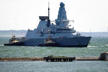 Ministerio de Defensa británico refuta información sobre el bombardeo de advertencia de su destructor