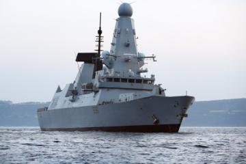 BBC、英駆逐艦船上からのロシア機・艦船接近の映像を公開
