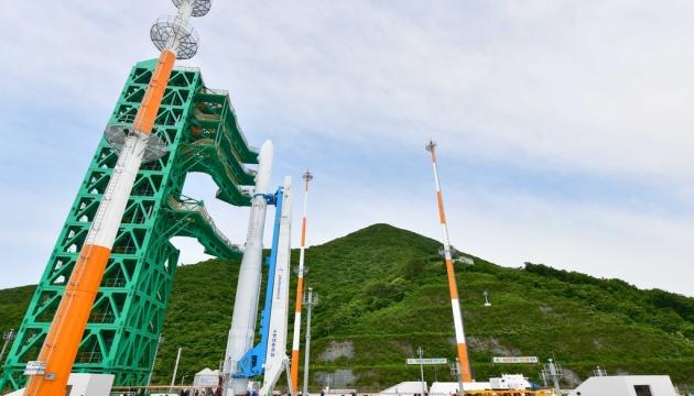 Південна Корея представила першу космічну ракету власного виробництва
