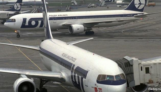 Варшава розцінює затримання польського літака у Санкт-Петербурзі як провокацію