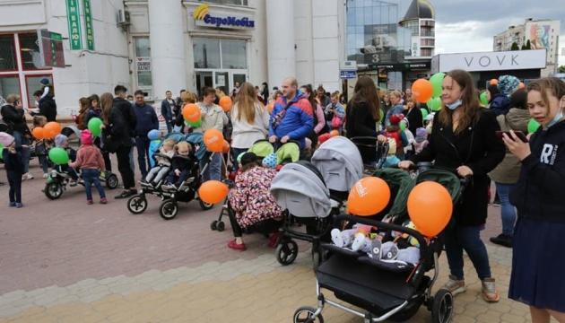 У Хмельницькому влаштували парад близнюків