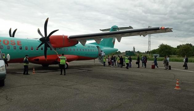 Чернівецький аеропорт прийняв перший рейс компанії Windrose із Києва