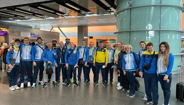 Українські боксери вирушили до Парижа за олімпійськими ліцензіями
