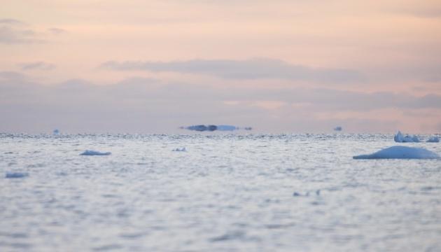 """Icebergs """"voladores"""" avistados cerca de la estación ucraniana en la Antártida"""