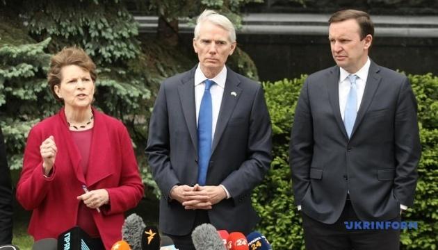 Сенатори США обговорили із Зеленським українські реформи
