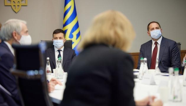 Зеленський хоче змінити санкційну політику щодо Росії