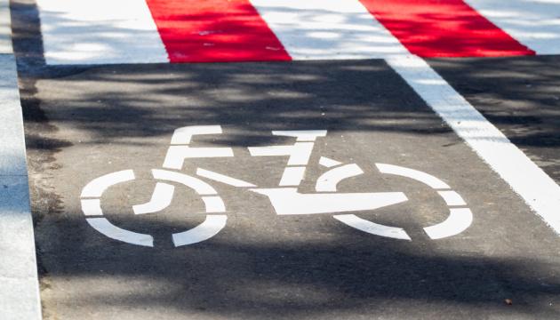 В Киеве в течение года появится 100 километров велодорожек: КГГА назвала улицы