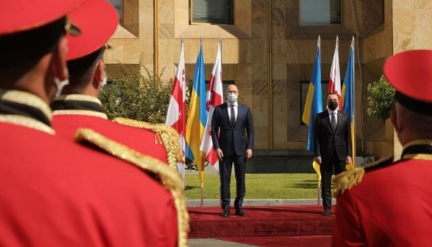 Шмыгаль посещает Грузию с официальным визитом