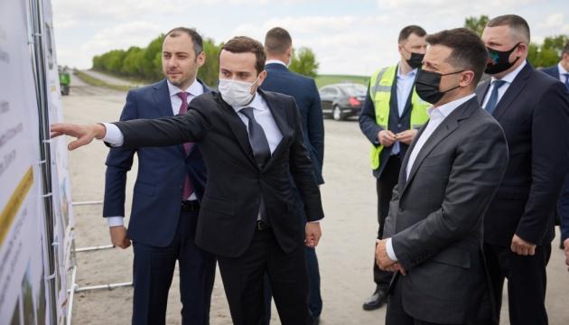 Зеленський перевірив, як ремонтують трасу Житомир – Чернівці