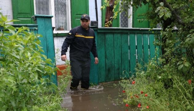 В Днипре продолжают ликвидировать последствия мощных ливней