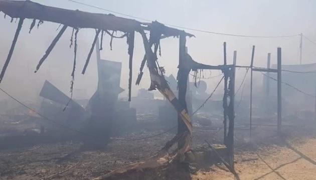 Табір для біженців у Іраку охопила пожежа: знищені сотні наметів, є постраждалі
