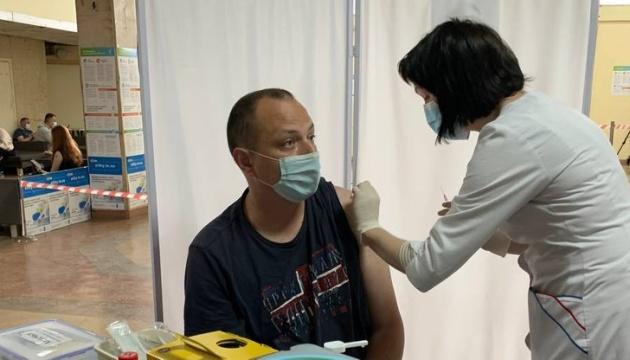 У Тернополі почав роботу центр COVID-вакцинації