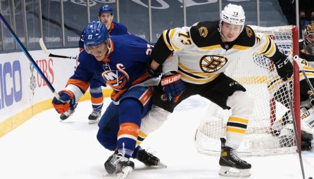 НХЛ: «Айлендерс» зрівняв рахунок у серії з «Бостоном» в плей-офф Кубка Стенлі