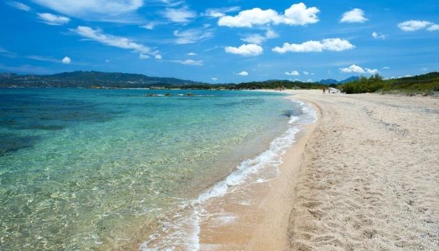 На Сардинії запровадили штрафи за крадіжку піску з пляжів