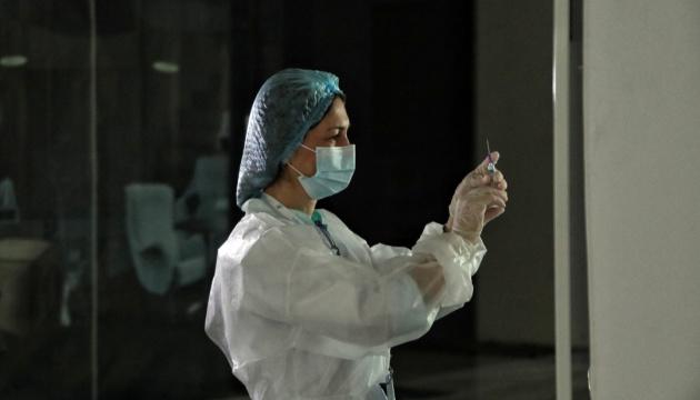 У Києві кожний третій працівник освіти вакцинований проти COVID-19