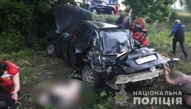 На Київщині автомобіль впав у кювет, загинула дитина