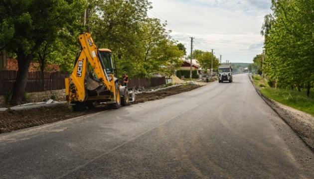 На Тернопільщині завершується ремонт дороги Броди-Тернопіль