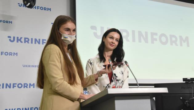 У Києві презентували «гарячу лінію» підтримки батьків після пологів