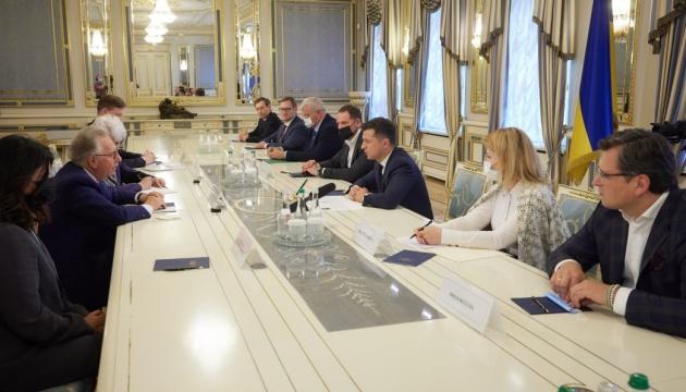 ゼレンシキー大統領、ベニス委員会委員長と裁判改革を協議
