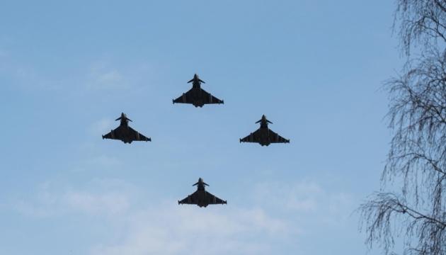 Винищувачі НАТО в Балтії шість разів за тиждень «вели» військові літаки РФ