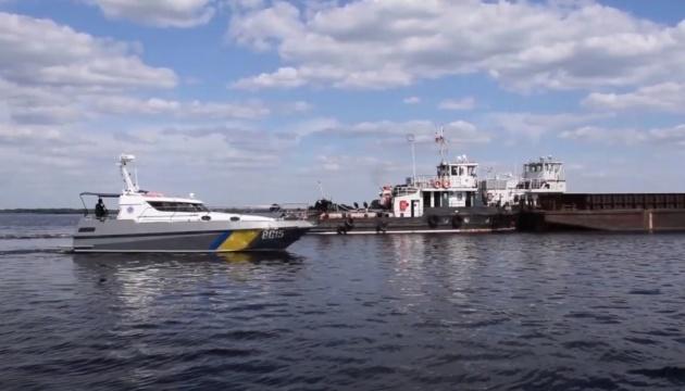 Binnenschifffahrt: Ukrainischer Grenzschutz überwacht und begleitet Schiffe an Grenze zu Belarus