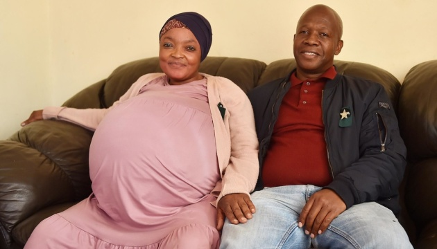 Женщина в ЮАР родила сразу десять детей - мировой рекорд