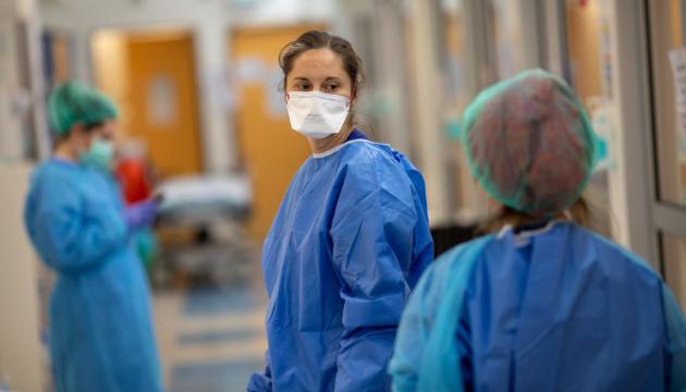 У лікарнях Нової Зеландії скасували усі нетермінові операції через страйк медсестер