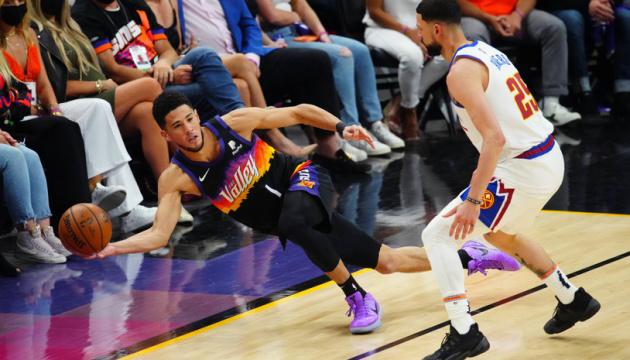 «Финикс» разгромил «Денвер» в матче плей-офф НБА