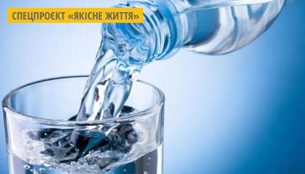 В Україні стартував флешмоб #Випийводи