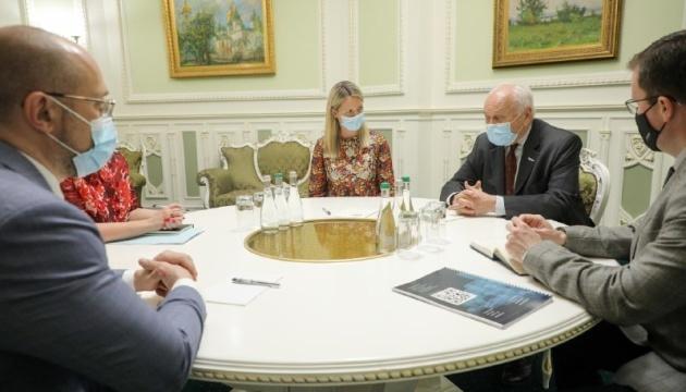 Shmygal: Ucrania debería convertirse en líder regional en términos de desarrollo político y económico