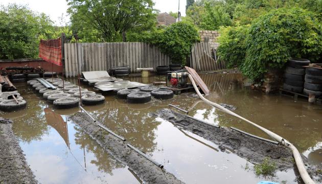 У Дніпрі залишаються підтопленими сотня подвір'їв та 21 будинок