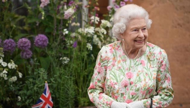 Королева Британії посвятила у лицарі розробників вакцини AstraZeneca