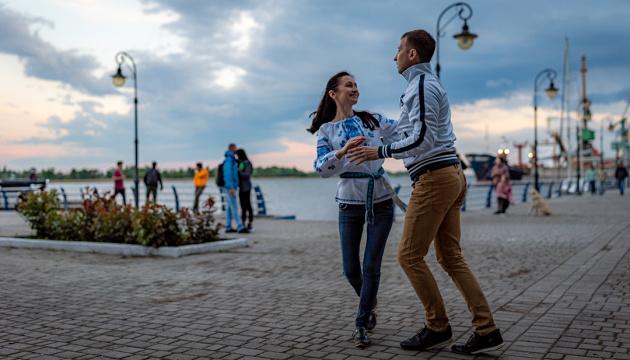«Эчале сальсита!»  по-украински: когда танцуют все