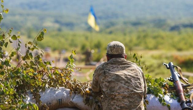 Ocupantes usan lanzacohetes portátiles contra los defensores de Zolote