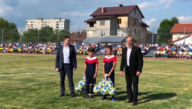 На Львівщині у Самборі відкрили стадіон імені Броварського