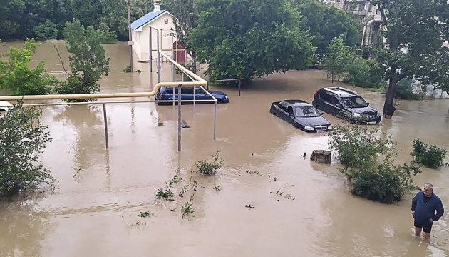 Злочинна безвідповідальність окупантів: іншої причини потопу в Криму немає