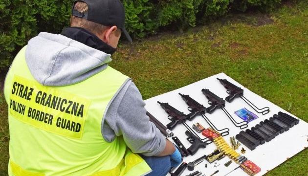 В Польше разоблачили контрабандистов, возивших оружие в Украину