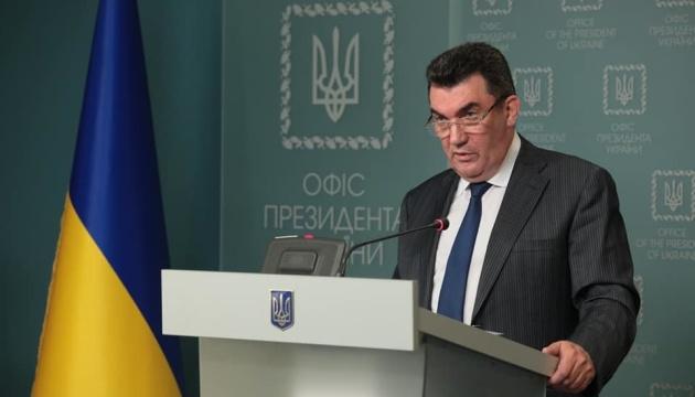 Данілов: Перейти на українську та англійську треба було ще 1991 року
