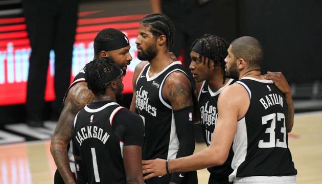 «Клипперс» выиграл серию у «Юты» и вышел в полуфинал плей-офф НБА