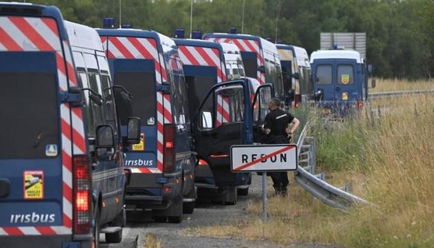 Во Франции полиция семь часов разгоняла запрещенную вечеринку