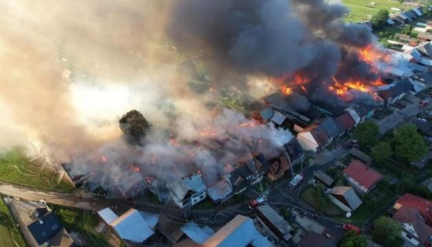У польському селі сталася масштабна пожежа, вогонь знищив 44 будівлі