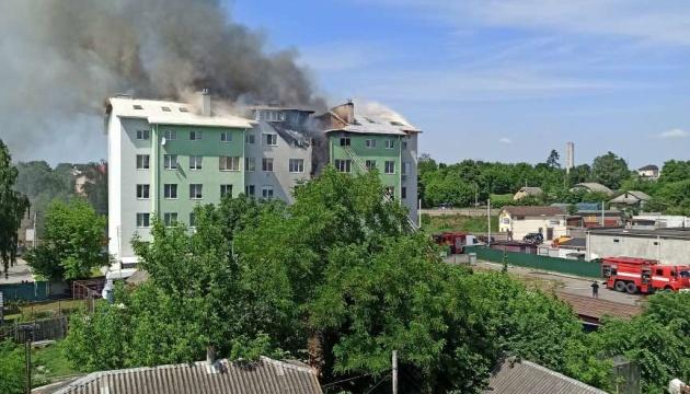 Под Киевом произошел взрыв в пятиэтажке: людей эвакуируют