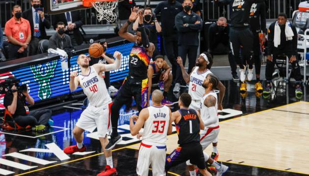 «Фінікс» вдруге обіграв «Кліпперс» у півфіналі плей-офф НБА