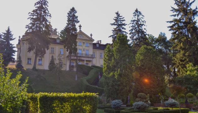 У Львові спростували інформацію про «рейдерське захоплення» Митрополичих садів