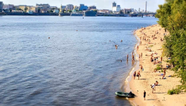 На пяти пляжах Киева нашли кишечную палочку