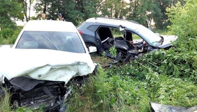На Рівненщині легковик протаранив Mercedes - водійка загинула, четверо у лікарні